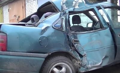 Автомобиль требующий кузовного ремонта