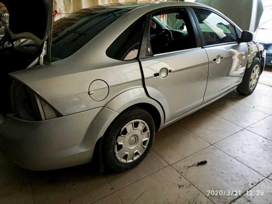 Ford Focus фото процесс ремонта в автосервисе