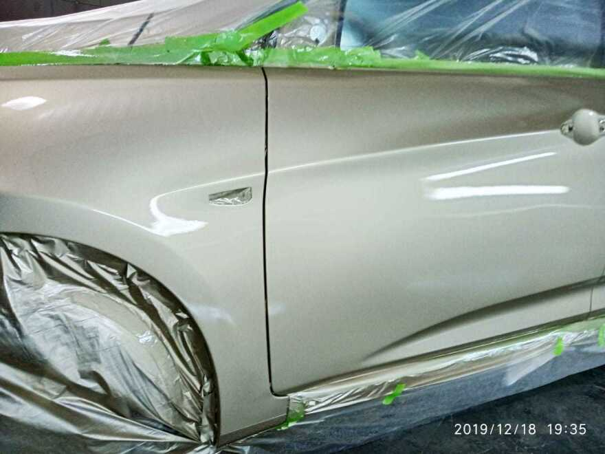 Hyundai Solaris фото процесс ремонта в автосервисе