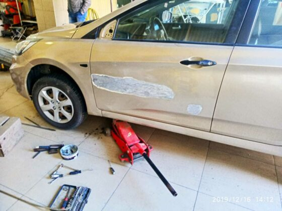 Hyundai Solaris ремонт двери