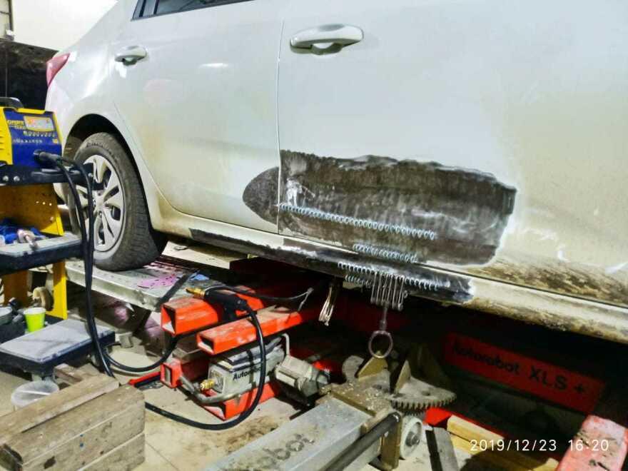Kia Rio фото процесс ремонта в автосервисе